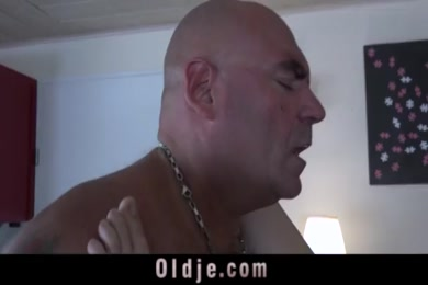Young brazilian girl gives a very good blowjob to my cock.
