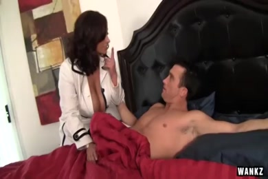 Xxxvideo mom fuck sons mp4.com