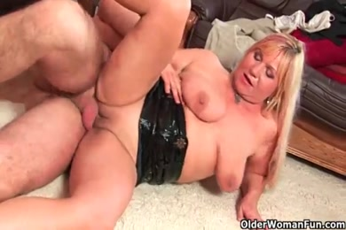 Fucked by a big cock and gets mouth full of cum