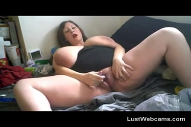 Bbw in lingerice and pantyhose on cam.