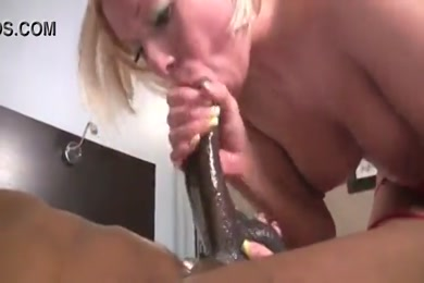 Sexy milf gives sloppy deepthroat blowjob to bbc and gets a cum facial