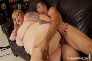 Sucking and fucking this fat bbw ass.