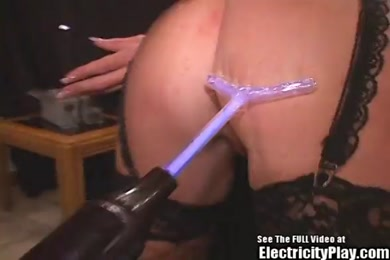 Pawg milf gives me head while he gets ready to fuck me.