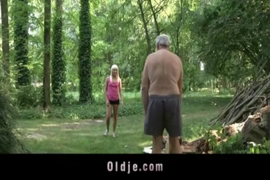Downloding boliwood film acter without clothes photo