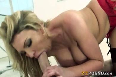 Sexy blonde babe with big butt masturbats to orgasm.