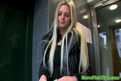 Hot blonde slut gives a fantastic bj